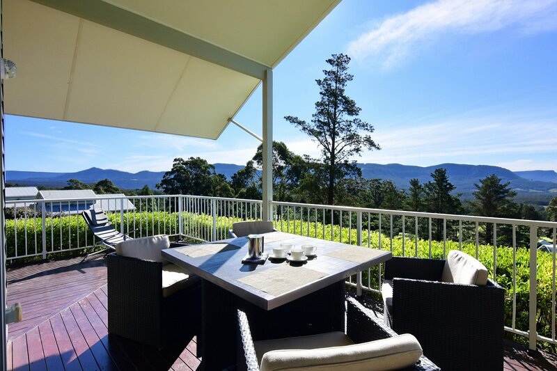 Hillcrest - Spectacular views!, holiday rental in Budgong