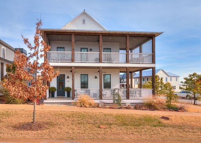 Carlton Landing! Spacious cottage with second story view of Lake Eufaula!, location de vacances à Longtown