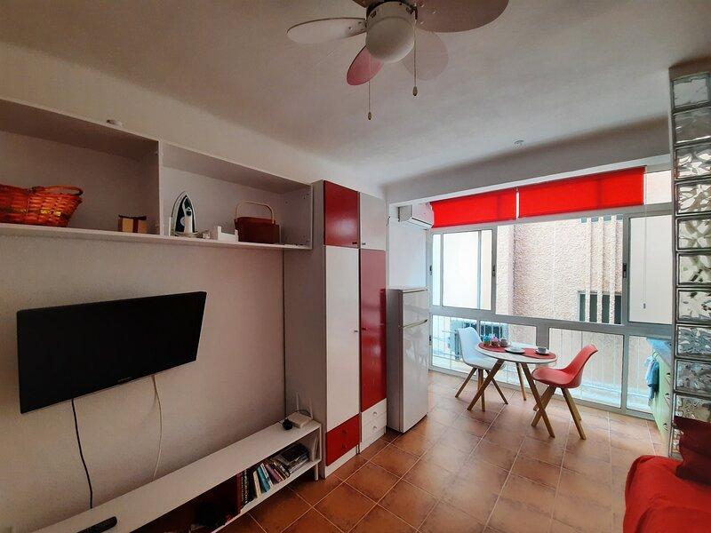 Living Room & Kitchen  Salón y Cocina