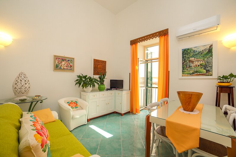 Atrani Apartments: Cottage Niki stylish house, close to the beach and to Amalfi, casa vacanza a Atrani