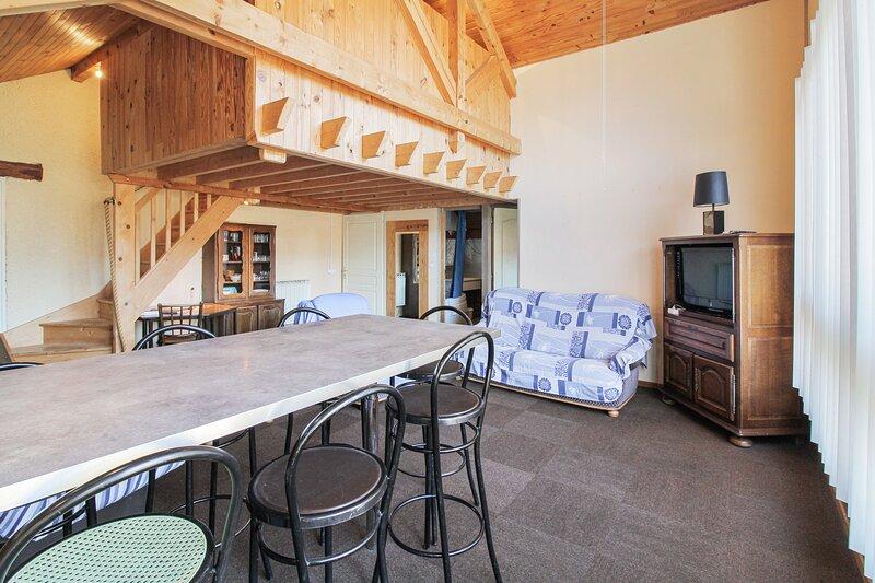 Amazing apartment in Échenans, Ferienwohnung in Danjoutin