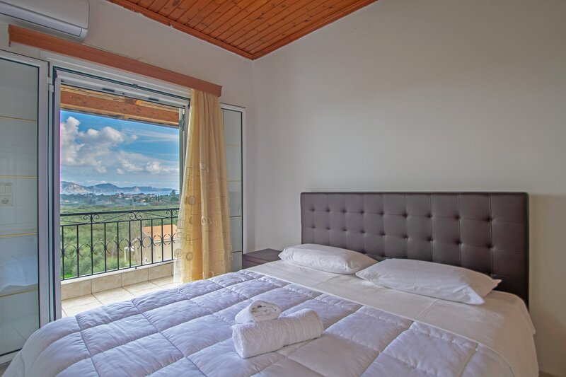 Family Private Homes & Sea View 3, holiday rental in Lithakia