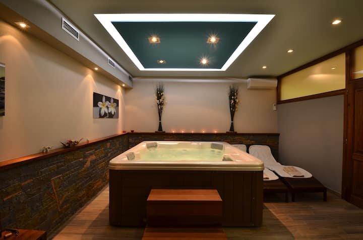 Lovely 5-Bed Villa in Buzet, holiday rental in Sovinjak