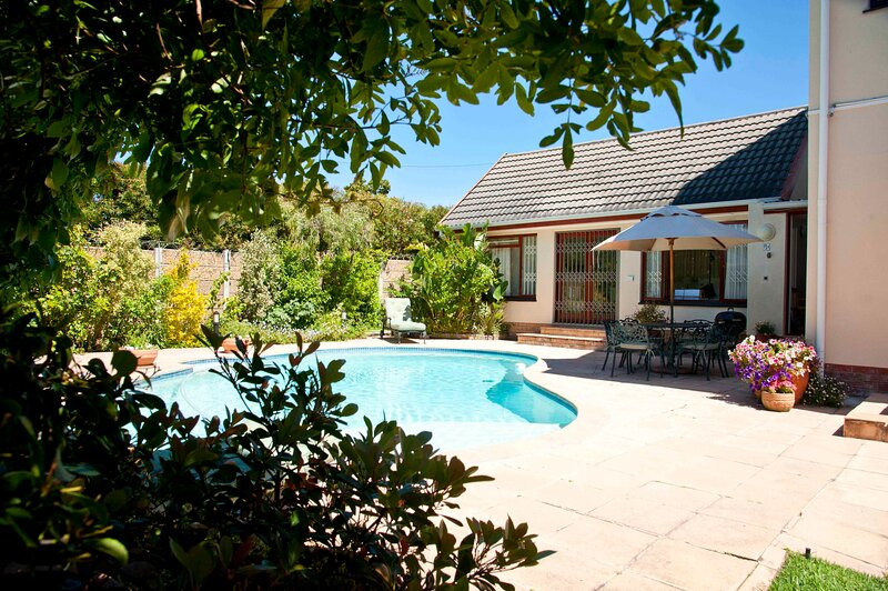 Petunia Cottage at Pinoak Cottages, holiday rental in Plumstead