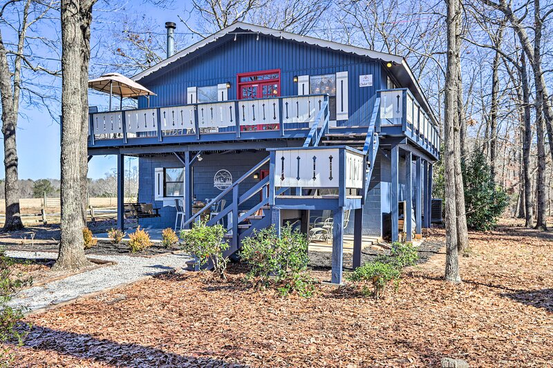 NEW! 'Caymus Cabin' ~ 3 Miles to Callaway Gardens!, location de vacances à Shiloh