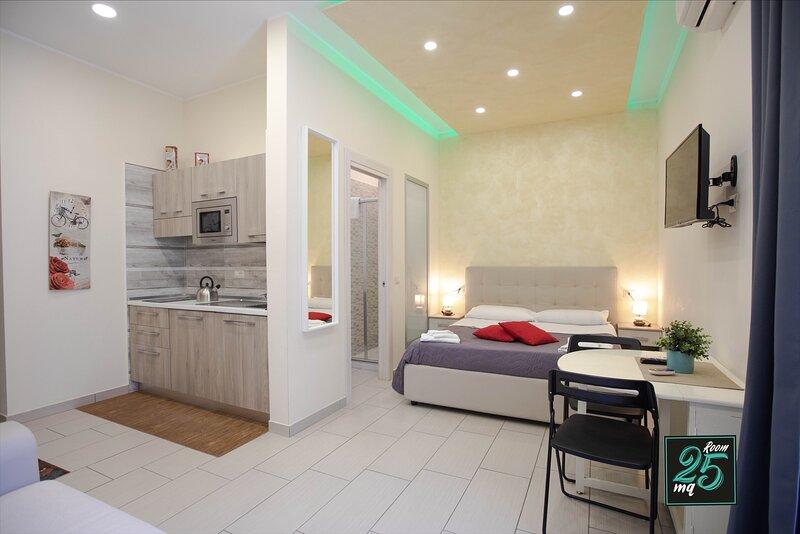 Room25mq Luxury Casa Vacanze, vacation rental in Marigliano