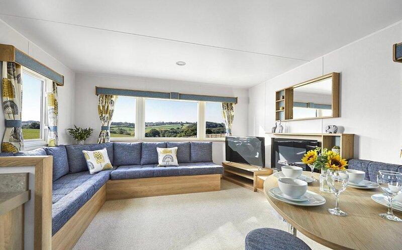 **New** D.A.G Caravan Littlesea 3 Bed 8 Berth, holiday rental in Weymouth