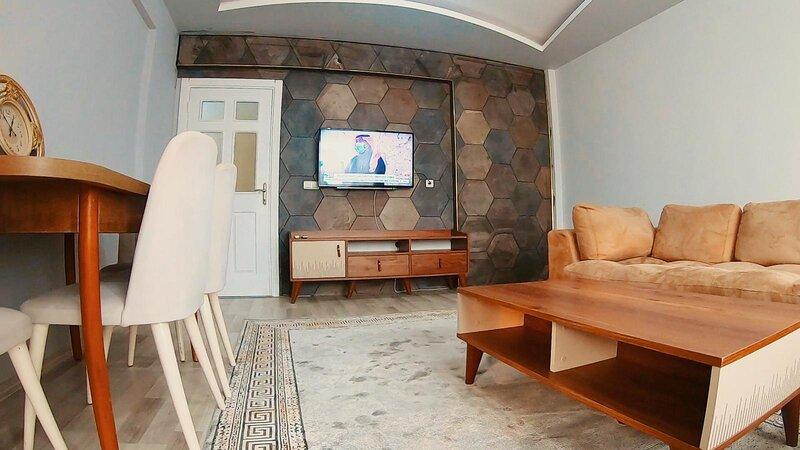 3 Bedrooms (200 m2) across the lara beach, holiday rental in Karacalli