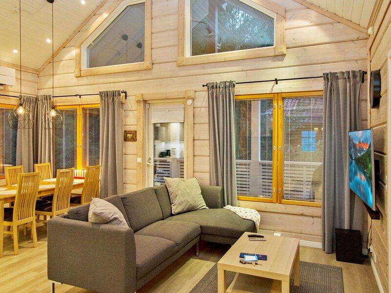 Pikku-hovila, holiday rental in Varpaisjaervi