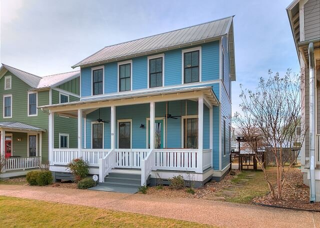 Carlton Landing-A perfect retreat in the heart of Firefly Park!, vacation rental in Canadian