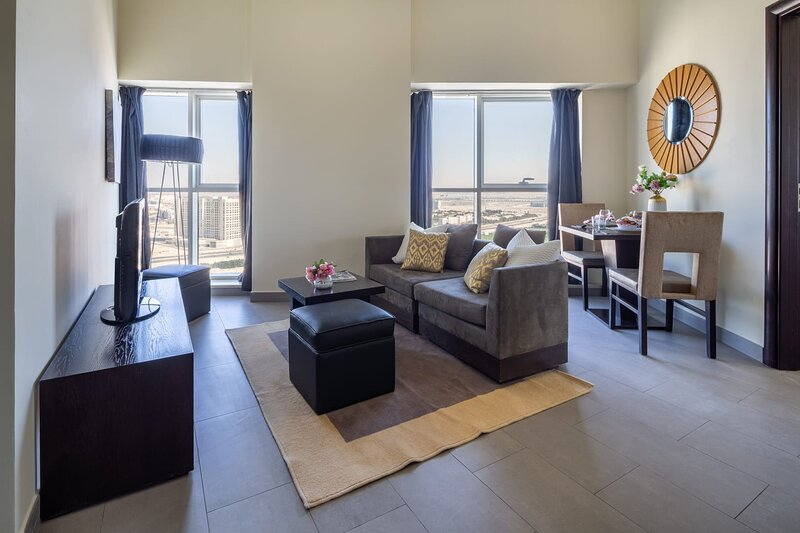 Luxurious 2BR in Sports City with Great Amenities!, vacation rental in Hatta