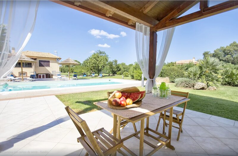 Alghero Villa Laura For 10 People With Swimming Pool, holiday rental in Olmedo