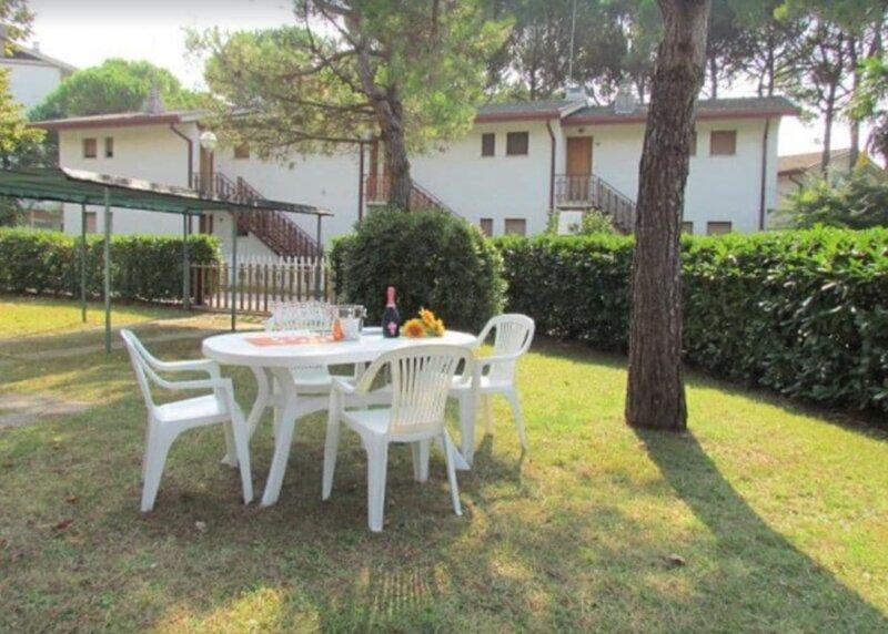 villa Bibione Pineda Ville Verdi D23, vacation rental in Teglio Veneto