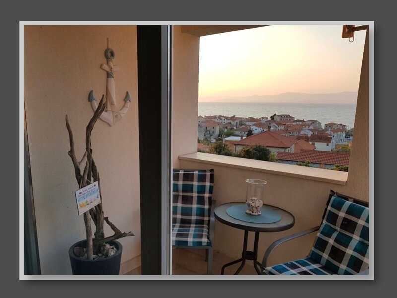 APARTMENT  KLEMENTINA IN POSTIRA: SONNE, STRAND & MEER, casa vacanza a Postira