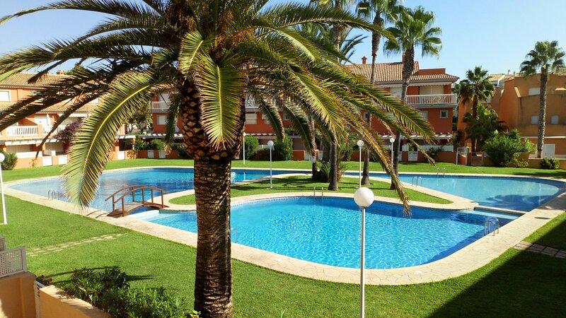 Precioso apartamento en El Arenal WIFI - A/C, holiday rental in Javea