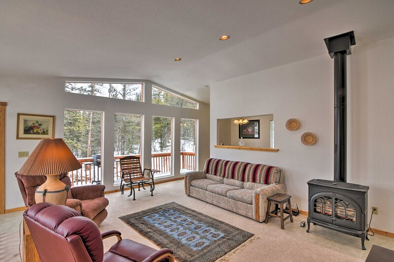 NEW! Colorado Cabin Escape: Mtn Views, Outdoor Fun, vacation rental in Hartsel