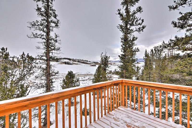 Private Deck | On-Site Dic Golf Access