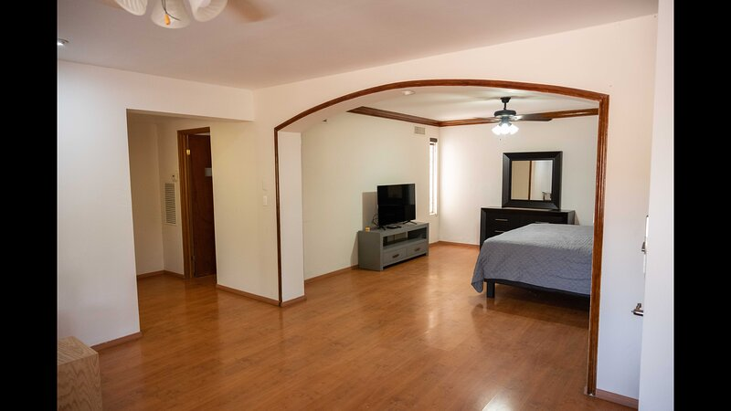 12 Large Suite for 4 People with Invoice, holiday rental in Torreon