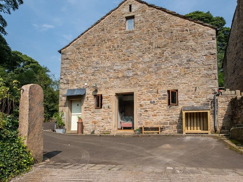 Barn Cottage - UK32298, vacation rental in Mellor