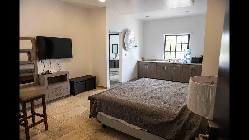 11 Suite Grande Para 4 Personas con Factura, holiday rental in Torreon
