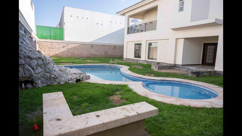 18 Amplio Departamento par 2 personas, holiday rental in Torreon