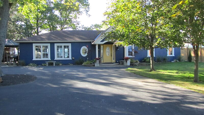WEEKENDS ONLY,  is a  LUXURY LAKEFRONT PROPERTY - 2 bdrms/2bath, holiday rental in Port Dover