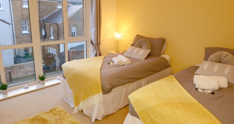 Broadstairs Kent - Stunning House with Free Parking, location de vacances à Kingsgate