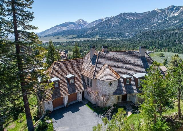 Grand Chateau at Eagle, Residence in Juniper Ridge, 5000 sq ft!, aluguéis de temporada em Mammoth Lakes