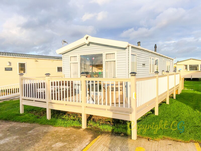MP306 - Camber sands Holiday Park - Sleeps 8 + 2 dogs - Central location, casa vacanza a Brookland
