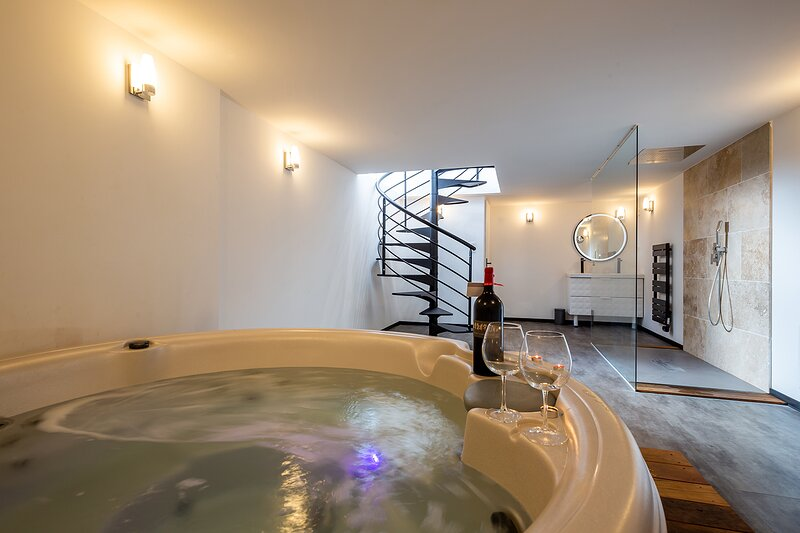 Spa jacuzzi cocooning, vacation rental in Talence