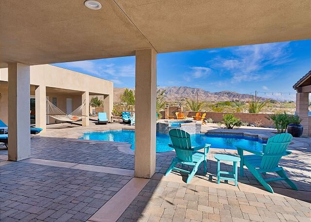 Painted Hills Desert Retreat   5-Acre Compound with Saltwater Pool & Spa, holiday rental in Sky Valley