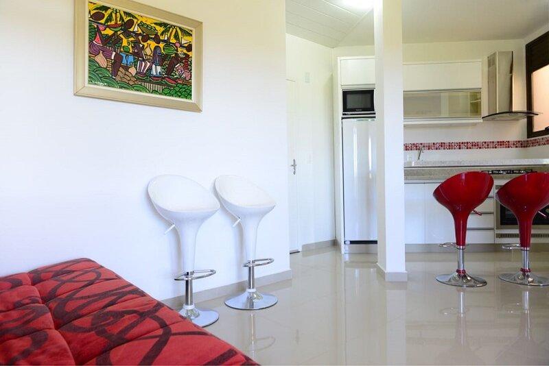 Apartamento próximo da praia bem equipado!, location de vacances à Ponta das Canas