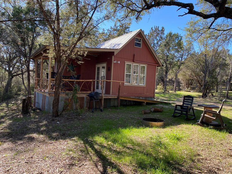 The Cowboy Cabin, holiday rental in Marble Falls