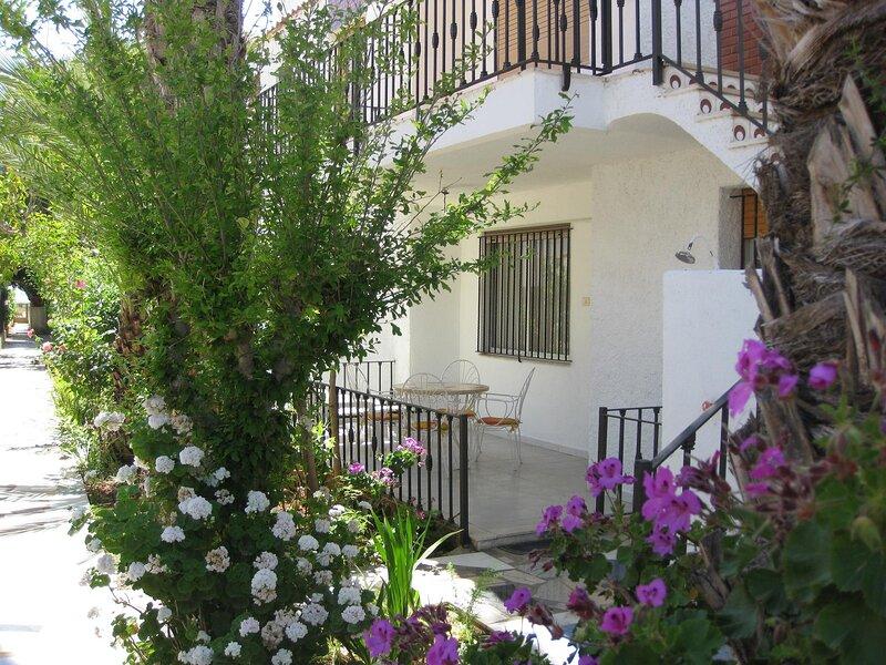 Apartamento bajo 20 metros de la playa, alquiler vacacional en Torreblanca