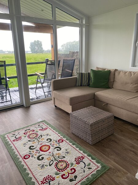 Tiny House with Hottub near beach, bulbs and Amsterdam, vacation rental in Hoofddorp