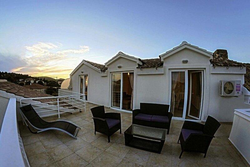 Edita - terrace with sea view and sunchaires Leut 2 (7) - Jezera, aluguéis de temporada em Jezera