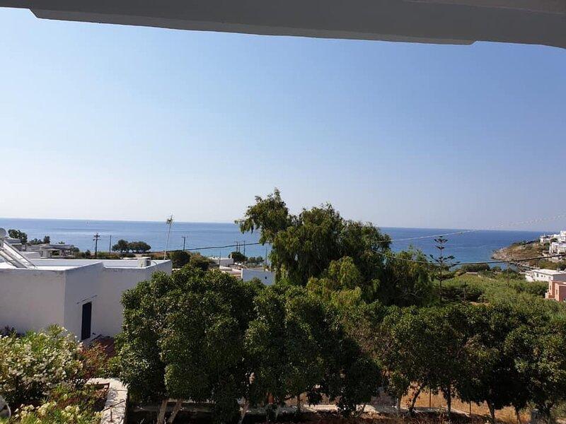 Syros Seaview Retreat - Megas Gialos Sunny Lodging, vacation rental in Finikas