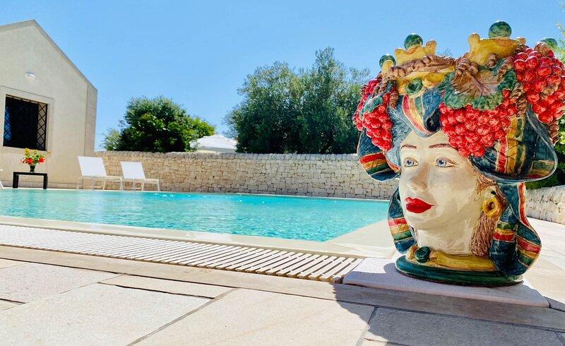 Favolosa Tenuta Le Chorisie con piscina immersa nella natura, holiday rental in Granelli