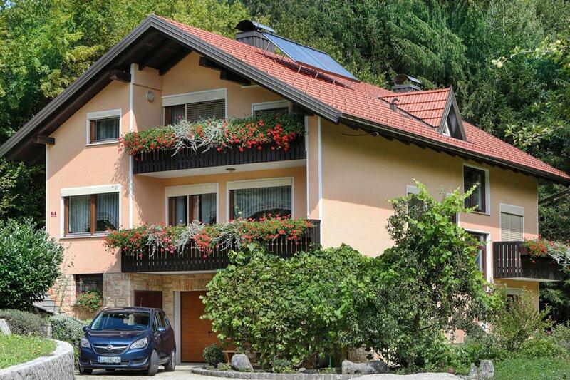 House Mavko, location de vacances à Postojna