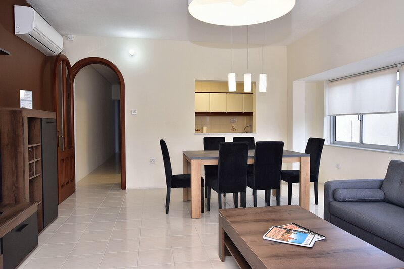 2 Bedroom Apartment - Spacious, Bright & Central - 4, vacation rental in Msida