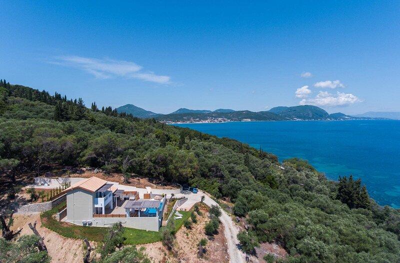 Agios Dimitrios Villa Sleeps 6 with Pool Air Con and WiFi - 5881842, alquiler de vacaciones en Chlomos