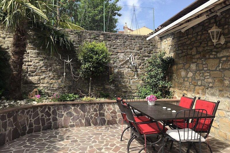 Three Mermaids House, holiday rental in Piran