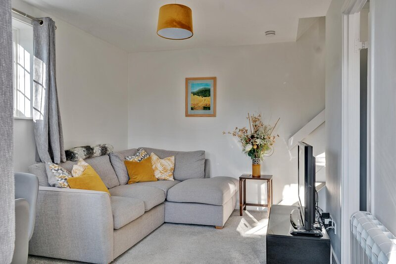 NEW Sleek & Spacious 1BD House with Garden Horsham, vacation rental in Mannings Heath