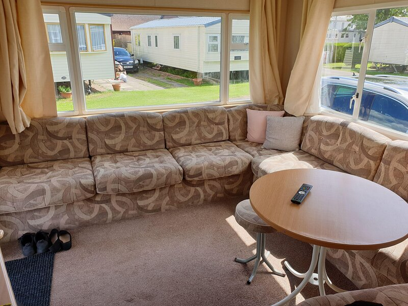 8 berth caravan for hire at Sunnydale park Lincolnshire Skegness ref 35219S, Ferienwohnung in Saltfleet