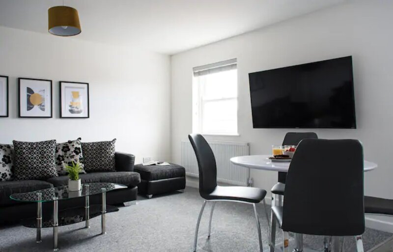 Southlea Suite 2 Bedroom Apartment Leamington Spa, holiday rental in Lighthorne