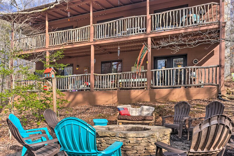 NEW! 'Joshua's Lodge' - The Family Fun Place!, holiday rental in Franklin