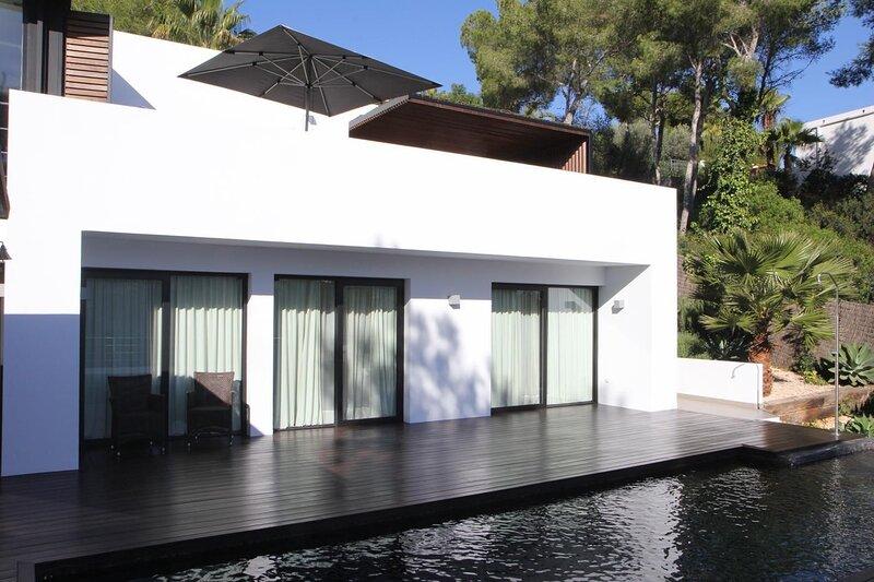 Villa Palma con BBQ y Piscina Privado, holiday rental in Cas Catala