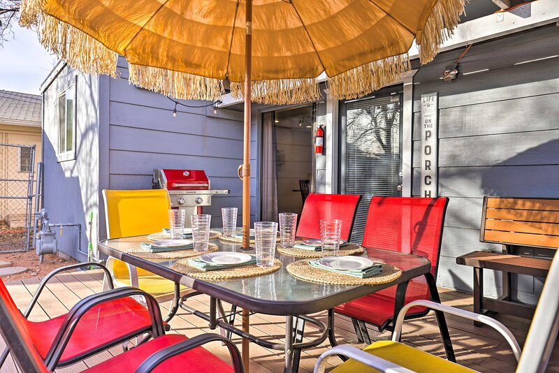 Deck | Gas Grill | Dining Table | Lighting