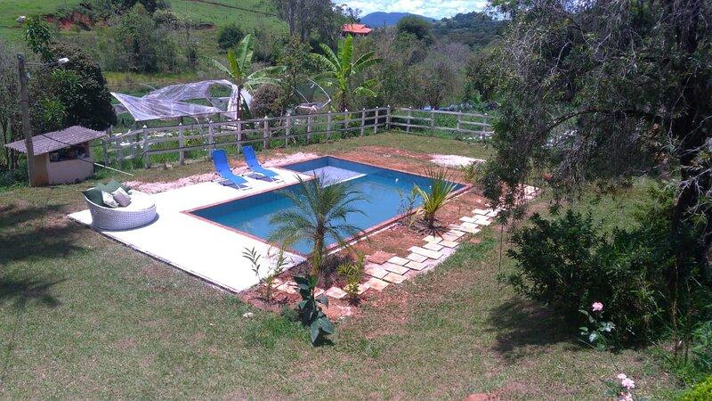 Pedacinho do Paraíso com piscina - Piranguinho MG - Sítio Three Little berries, holiday rental in Delfim Moreira