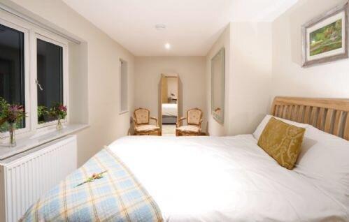 Pinetum Garden Cottages - Moongate 4, vacation rental in Rescorla